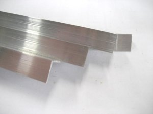画像1: アルミアングル 1.5mm×15mm×15mm×長さ479mm=2本入り、端材 (1)
